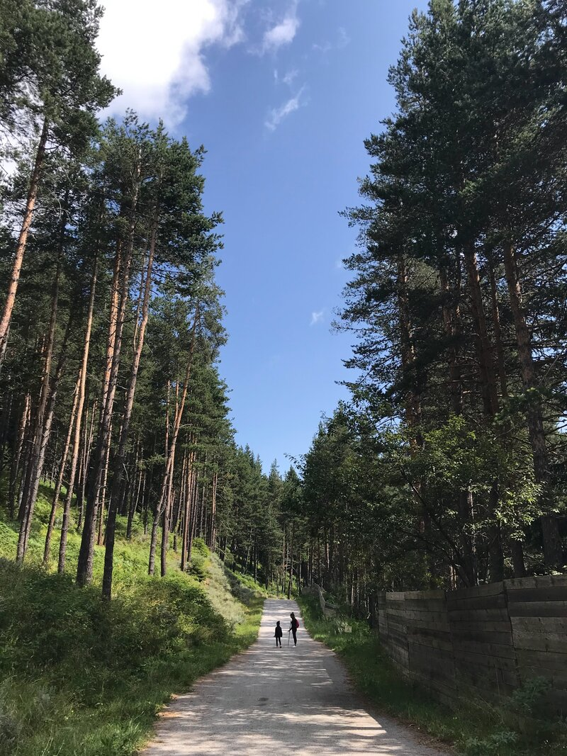 Hiking-in-bansko-pirin-digital-nomads