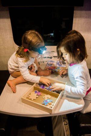 keeping-digital-nomad-kids-busy