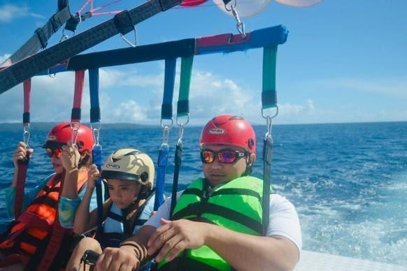 parasailing Digital Nomad Family