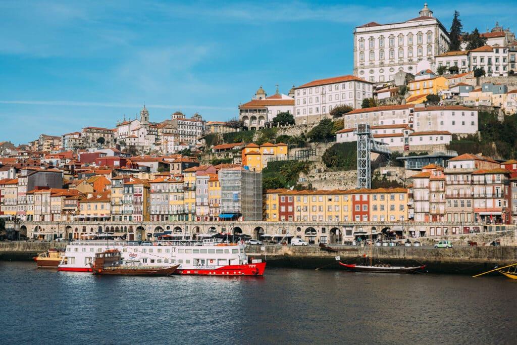 Selina-Porto-Location-City-digital-nomads