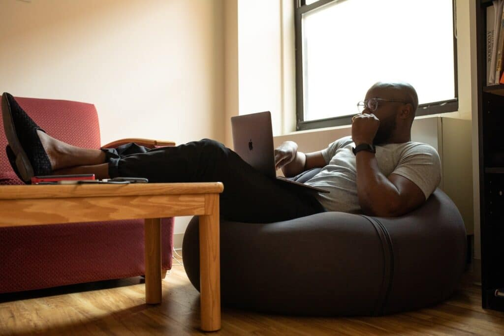 How to Maintain Your Performance and Sanity While Working From Home